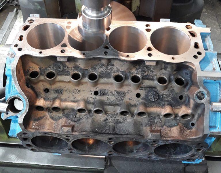 Motorblock V8